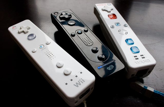 Battlemodo: The Wiimote vs. The Cheap Knockoffs