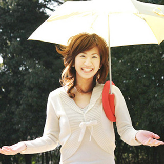 Shoulderbrella: Because Holding Your Umbrella Is Haaaarrrd