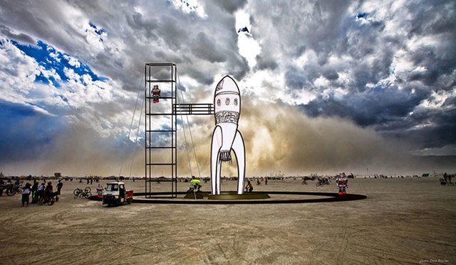 "Retro Raygun Rocket to Take ""Flight"" at Burning Man"