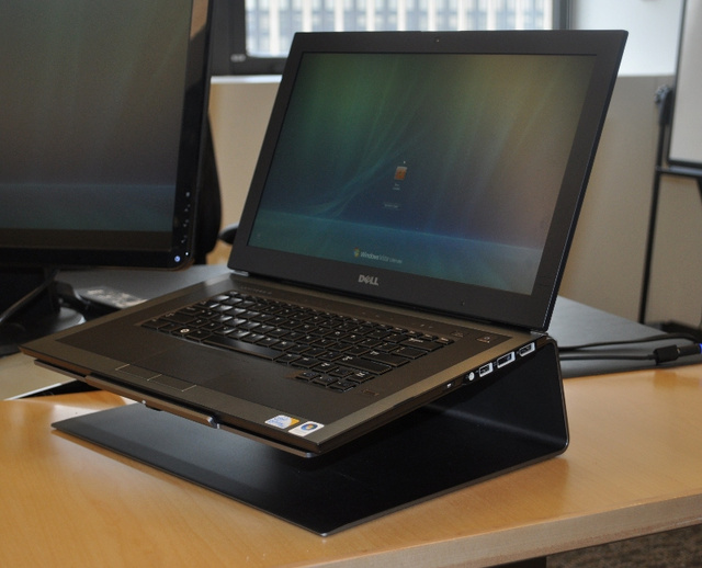 Dell Latitude Z Hands On: Kills Cords With Wireless Charging