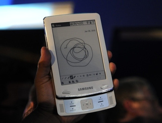 Samsung E6 and E101: eBook Readers With a Sense of Stylus