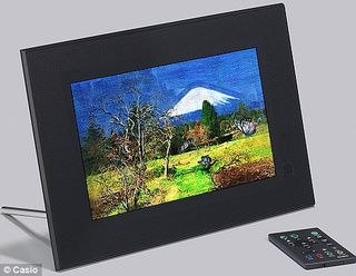 Digital Art Frame from Casio Redraws Your Photos into Something Akin to Genius