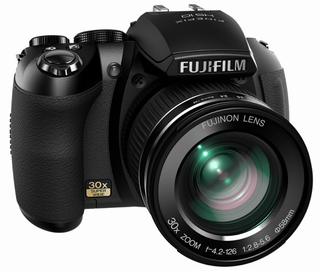 Fujifilm HS10 Not-a-DSLR Packs Manual Optical 30x Zoom, 1080p Video