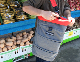 Cornucopia Bag Is Designed Specifically for Farmer's Market Shoppers