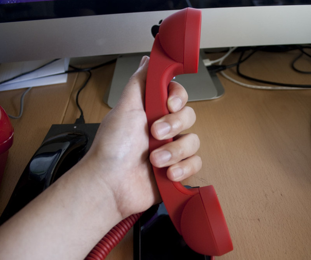 Review: Moshi Moshi Retro Handsets Make Your Cellphone Feel Like a Desk Phone