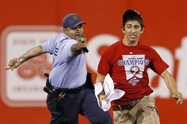 17-Year-Old Kid Tazed After Running Onto the Field at a Phillies Game