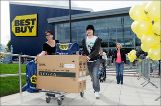 Best Buy Opens In UK and Breaks All Global Sales Records