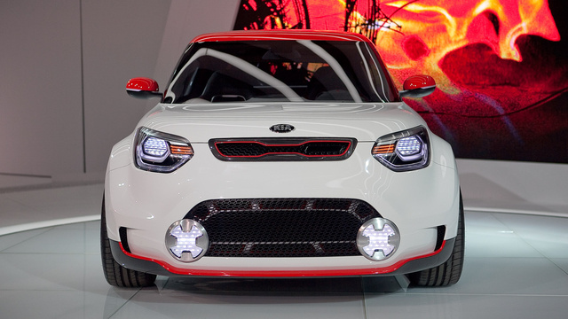 Kia Track'ster Concept: First Live Photos