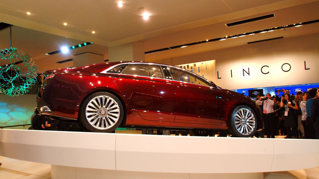 Lincoln MKZ Concept: 2012 Detroit Auto Show Live Photos