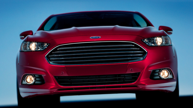 2013 Ford Fusion: Open Wide And Say Hot