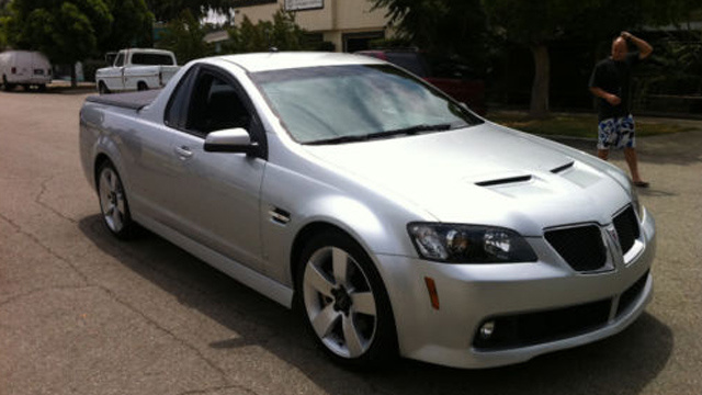 2009 Pontiac G8 Sport Truck is what we really want for Christmas
