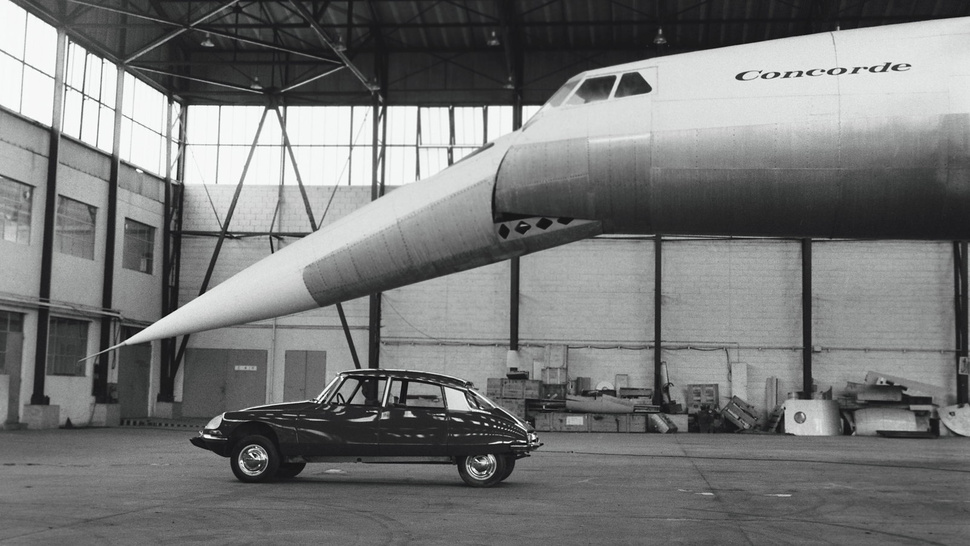 Your ridiculously cool Citroën DS + Concorde wallpaper is here