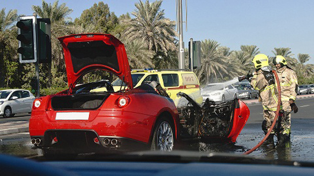 Watch a Ferrari 599 GTB burn to the ground in Dubai