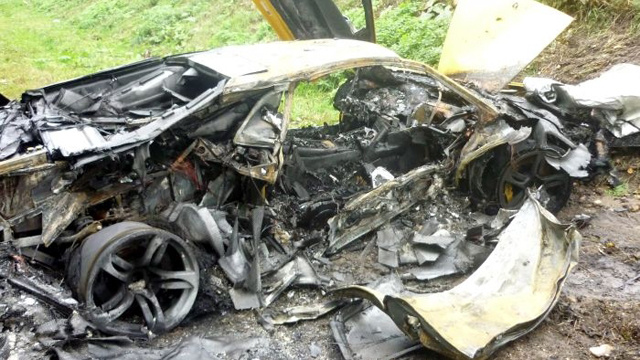 Amazing pictures of a wrecked and burnt Russian Lamborghini