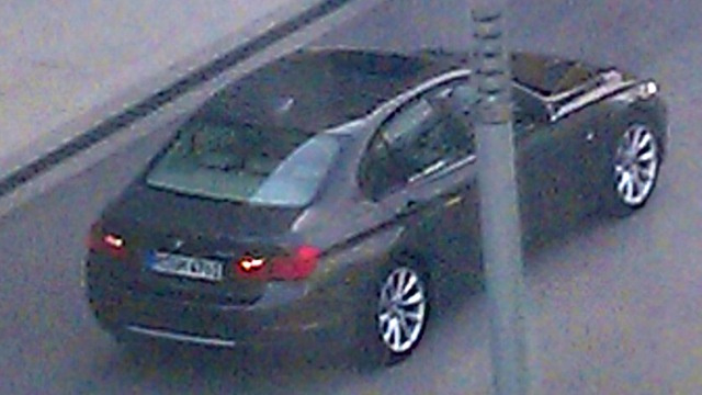 "2012 BMW 3 Series is like a 5 Series ""Mini Me"""