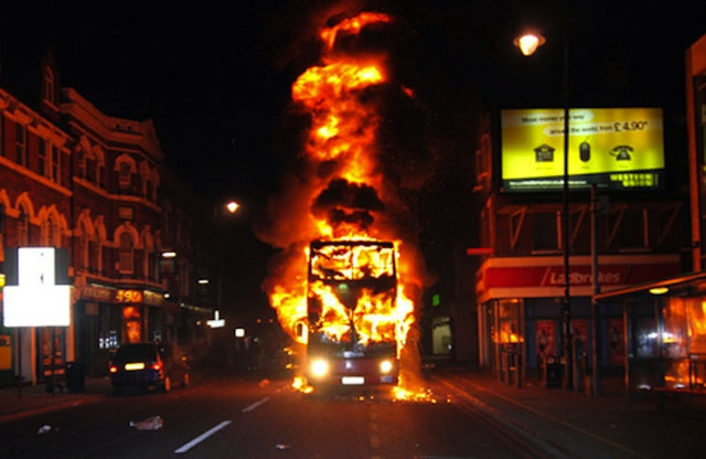 This is the scariest photo from the London riots