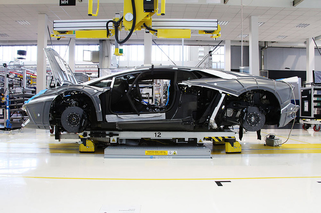 How Lamborghini builds its most technologically-advanced car ever