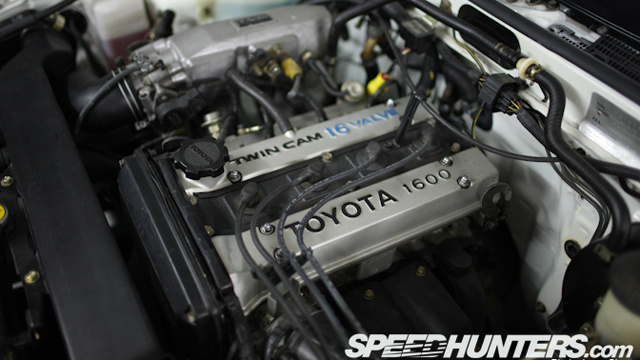 "This is what a ""brand new"" 25 year old AE86 Toyota Corolla looks like"