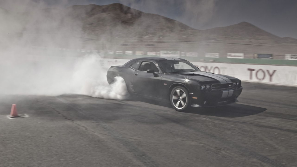 2012 Dodge Challenger SRT8 392: First Drive