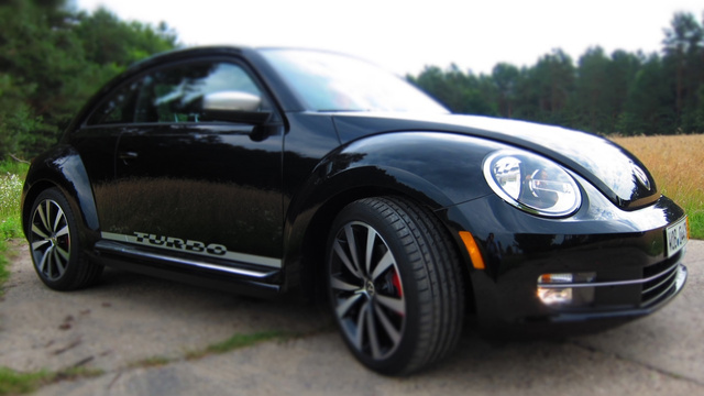 2012 Volkswagen Beetle: Review Photos
