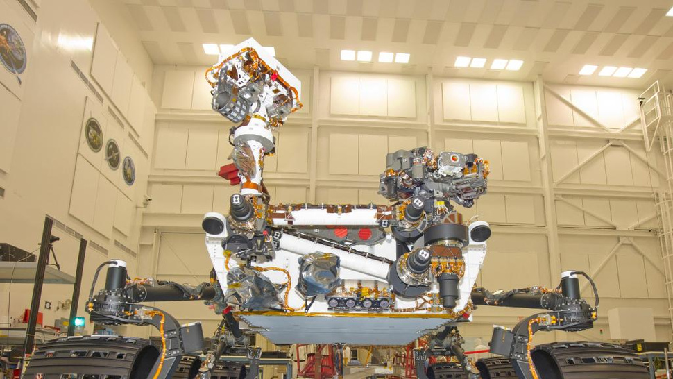 "Meet ""Curiosity,"" NASA's new nuclear-powered Mars rover"