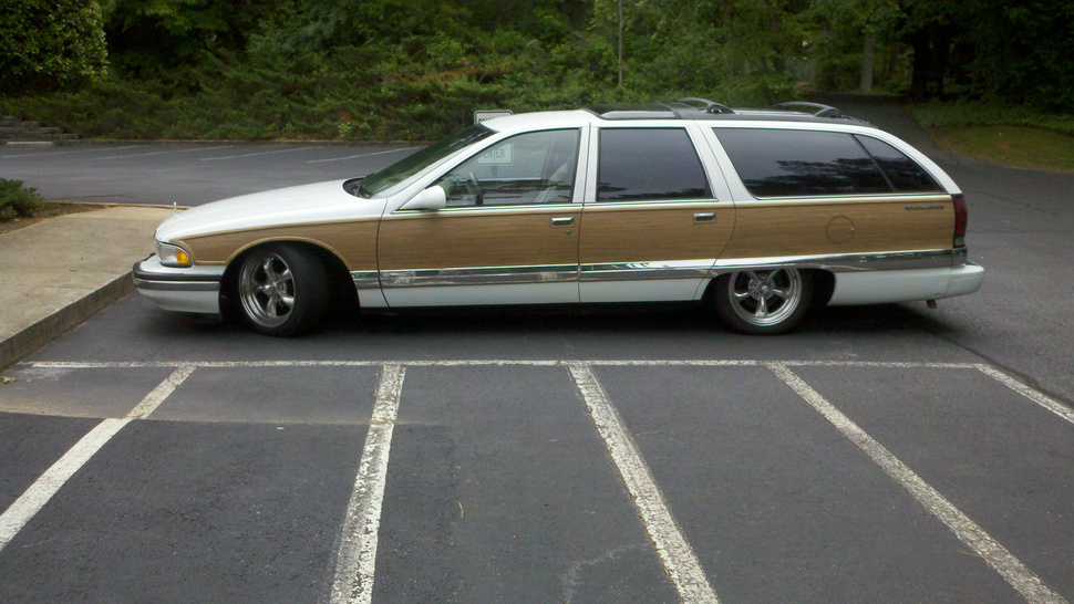 Top Gear USA's Rutledge Wood buys a Buick Roadmaster wagon