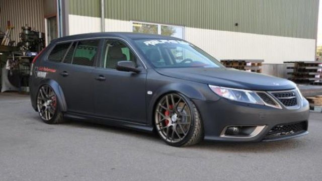 How a Swede built a Viper-powered Saab wagon
