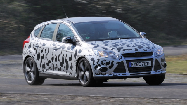 Ford Focus ST hits the track in cow-colored paint