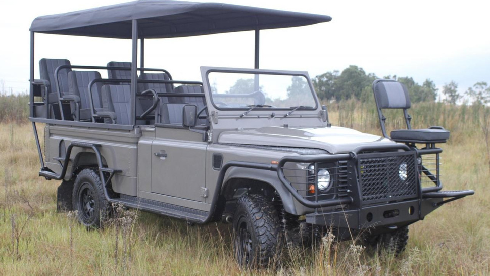 Electric Land Rover Safari saves nature so you can hunt it