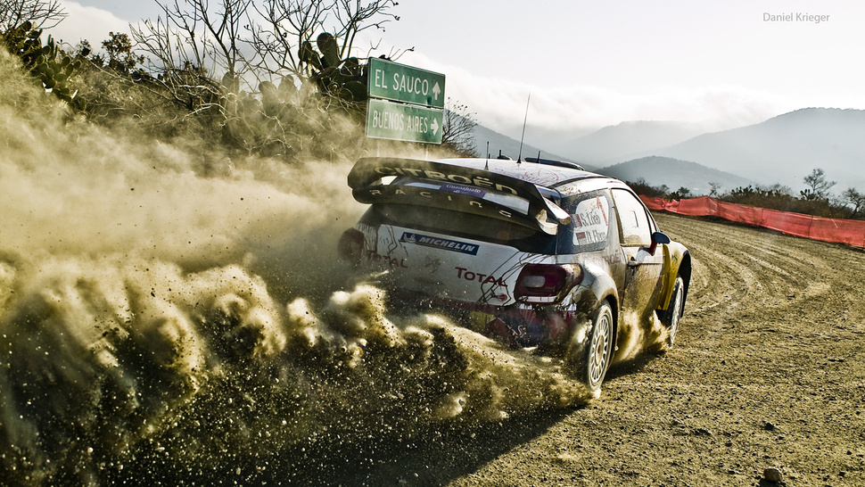 Your ridiculously awesome Citroën rally wallpaper is here