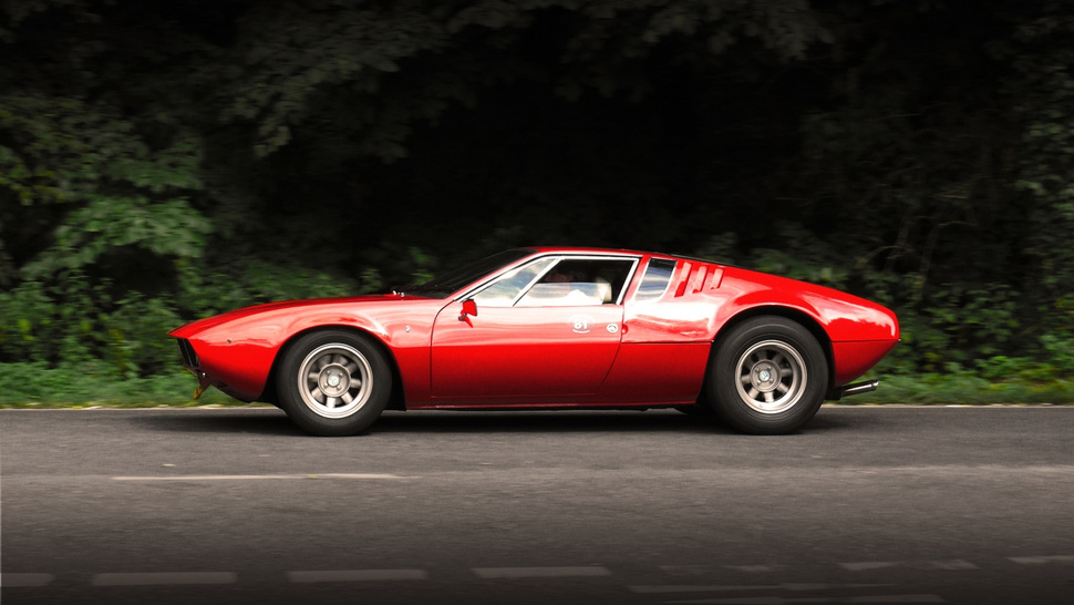 Out and about in a De Tomaso Mangusta