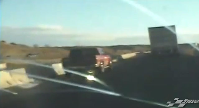 Cop learns why you don't drive in an 18-wheeler's blind spot