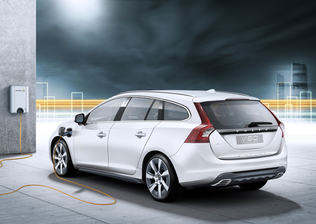 Volvo V60 Plug-in Diesel Hybrid: First Photos