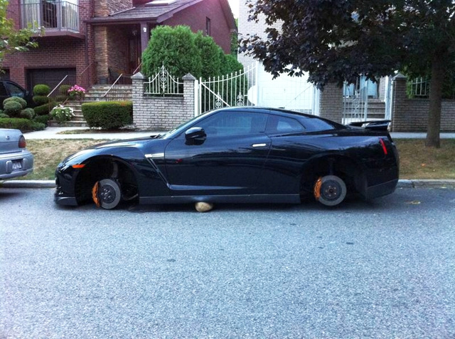 New York's Nissan GT-R Wheel Thief Strikes Again