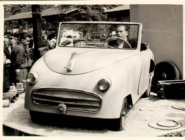 The Weirdly Awesome Microcars of Hungary