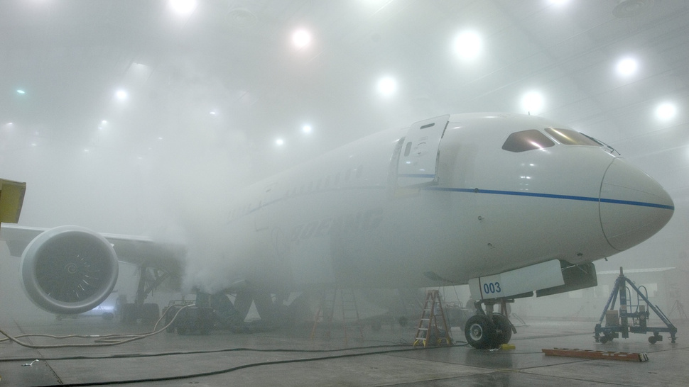The Boeing 787 Dreamliner Is Really Friggin' Cool