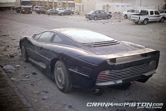 Jaguar XJ220 Forgotten In The Desert