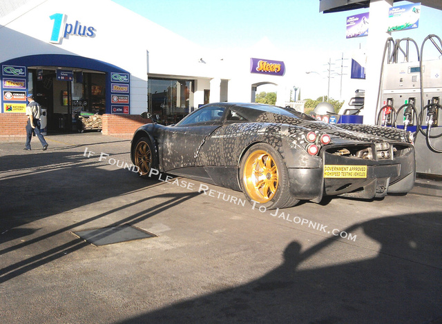 Pagani C9: Spy Photos