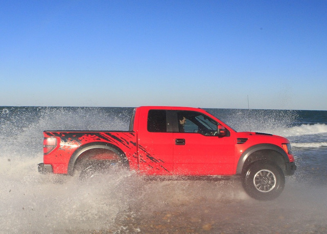 2010 Ford F-150 SVT Raptor: First Swim