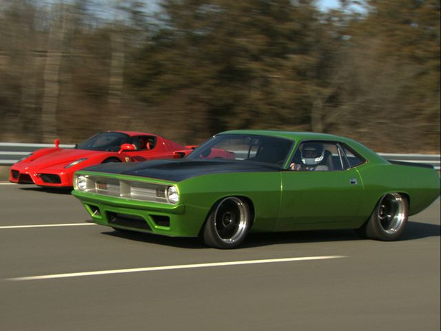 Twin-Turbo Super Cuda Races Enzo, Hits 208 MPH