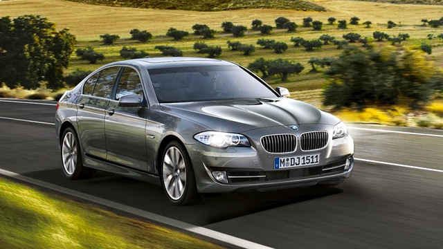 2011 BMW 5 Series: Bangle Butt Goes Bye-Bye