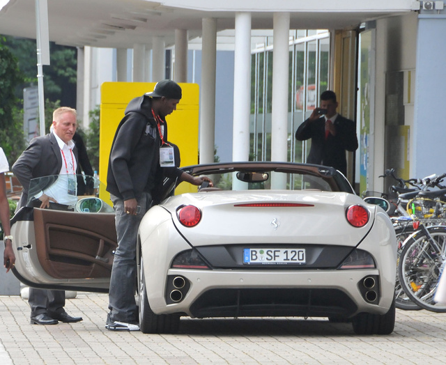 Usain Bolt Not Fast Enough, Needs Ferrari