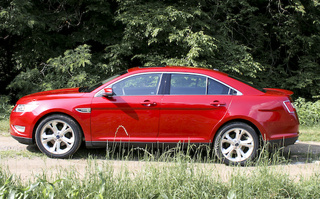 2010 Ford Taurus SHO: First Drive