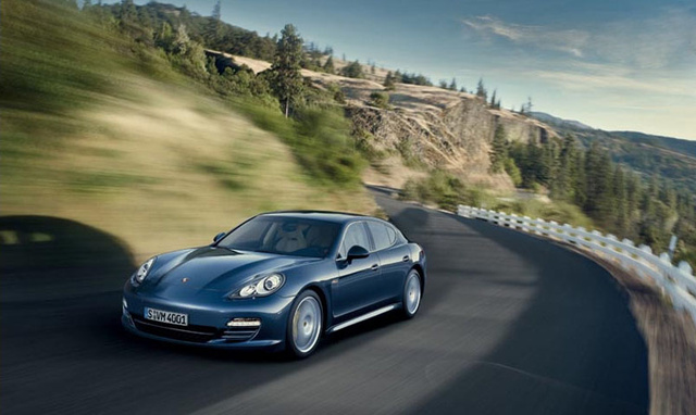2010 Porsche Panamera: More Four-Door Photos