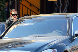 Jennifer Garner Drives A Mercedes S63