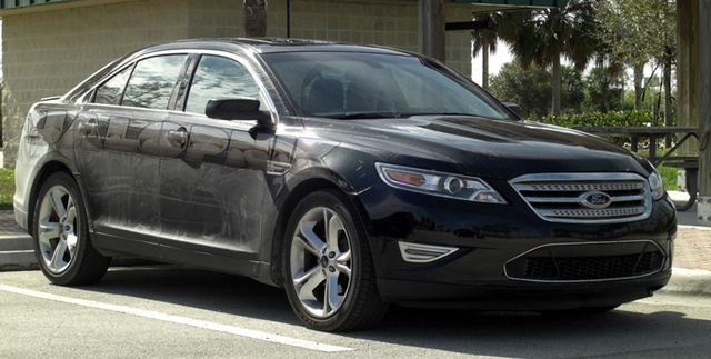 2010 Ford Taurus SHO: Super-Taurus Shows Off In Sun