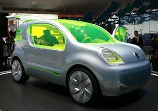 Renault ZE Concept Produces Zero Emissions, Lots Of Neon Glass
