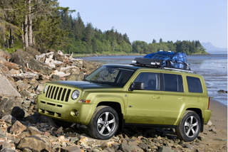 Jeep Patriot Back Country Concept Soft-Roads Toward Paris