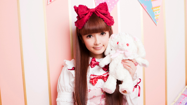 There's a Japan Lolita Association (It's For Fashion!)