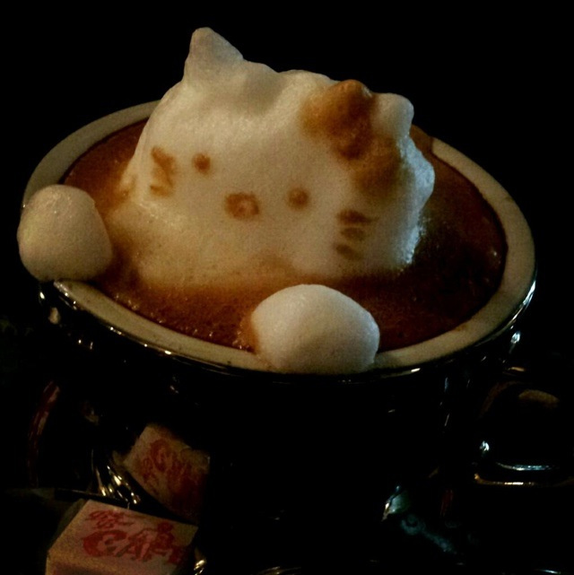 3D Coffee Art Reaches New, Dizzying Heights